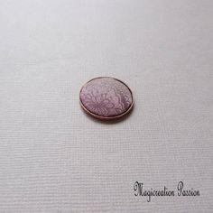 cabochon soie vieux rose, rond 2.3 cm diamètre , support cuivre, création bijou, bague, collier, bracelet, pièce unique, made in France Cabochons, Support, Montage, Enamel, France, Etsy, Boutique, Accessories, Playing Card
