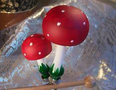 2 Fliegenpilz aus Glas als Baumschmuck zum klippen von Weihnachtsromantik auf DaWanda.com Etsy, Clear Ornaments, Christmas Jewelry, Mushrooms