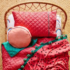 Absolutely adore this lovely, summery watermelon bed set!