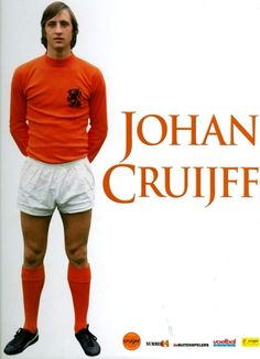 Johan Cruyff One of 6 men to win the UEFA champions league as a player and as a coach. Best Football Tips, Pure Football, Football Icon, Retro Football, European Football, Football Soccer, Good Soccer Players, Football Players, Nike Flyknit Lunar 1