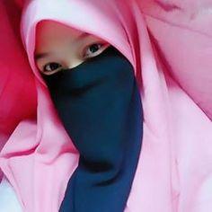 Arab Girls Hijab, Girl Hijab, Muslim Girls, Muslim Women, Niqab Fashion, Hijab Niqab, Muslim Beauty, Islamic Girl, Beautiful Hijab