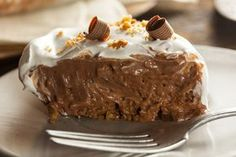 Chocolate Peanut Butter Pie with Rice Krispies Crust Recipe Easy Chocolate Pie Recipe, Chocolate Pie With Pudding, Chocolate Cream, Chocolate Divino, Chocolate Chips, Homemade Chocolate, Gluten Free Desserts, Vegan Desserts, Dessert Recipes