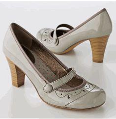 vintage heels...yes please
