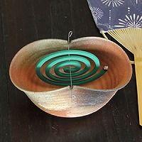 Mosquito-coil holder Shigaraki ware Kayariki you can buy direct from Japan Tin Can Crafts, Diy And Crafts, Diy Clay, Clay Crafts, Clay Projects, Gadget, Pottery Handbuilding, Clay Creations, Japan