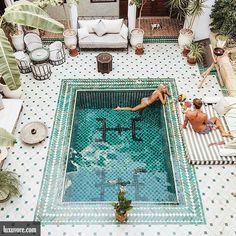 Poolside breakfast in Morocco.  or ? >> @sweartee for more!