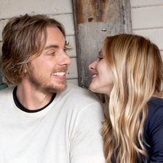 We've got another movie trailer for you… This time it's the raunchy red band trailer for 'Hit and Run' starring Dax Shepard, Kristen Bell, Kristin Chenoweth, and a dreadlocked Bradley Cooper! & NSFW for tons of nudity and cursing. Movie Couples, Famous Couples, Cute Couples, Sweet Couples, Real Couples, Kristen Bell And Dax, Famous Vegans, Dax Shepard, Game Of Throne Actors