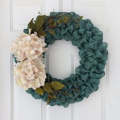 Primitive fall burlap wreath with cream hydrangeas and greenery. Ruffle red burlap wreath with greenery and cream flowers Burlap Garland, Greenery Wreath, Burlap Wreaths, Door Wreaths, Rustic Wreaths, Orange Front Doors, Front Door Colors, Diy Fall Wreath, Fall Wreaths