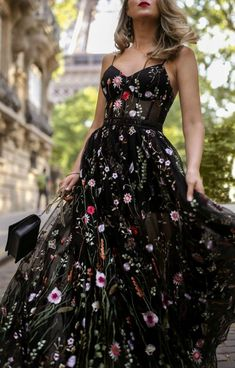 What to wear to a black tie wedding // Long black floral embellished spaghetti strap dress with bustier style bodice, black simple clutch {formal outfit, black tie wedding, fancy style, classic style} dresses to wear to a wedding Dresses To Wear To A Wedding, Black Wedding Dresses, Event Dresses, Casual Dresses, Fashion Dresses, Dress Outfits, Prom Dresses, Dress Up, Formal Outfits
