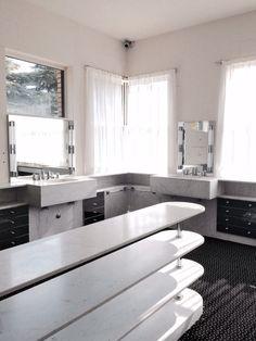 Robert Mallet-Stevens. Salle de bain Villa Cavrois. Billie Blanket