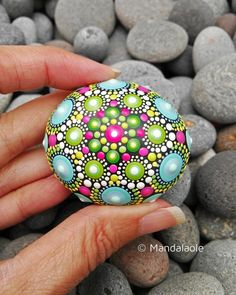 The painting is applied on a very special beach stone bead, using bright colors of acrylic paint with different tips sizes, patience and. Rock Painting Patterns, Rock Painting Ideas Easy, Dot Art Painting, Rock Painting Designs, Mandala Painting, Pebble Painting, Pebble Art, Stone Painting, Mandala Painted Rocks
