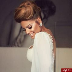 Fryzury ślubne włosy: Fryzury Długie Ślubne - Szzeherezada - 2770621 woman
