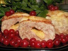 Приготовим котлеты из индейки. Ведь мясо индейки — очень вкусное, диетическое мясо. Котлеты получатся нежные и сочные. Сырная начинка со сливочным маслом будет просто таять во рту.Продукты:1. Фарш …