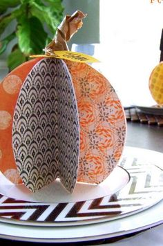 DIY Paper Pumpkin...great Fall decor or as a Fall / Thanksgiving table place card