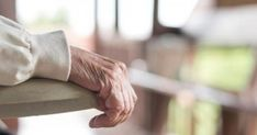 Υγεία - Μελέτη που δημοσιεύθηκε πρόσφατα στο European Journal of Pain διαπίστωσε ότι ένα άτομο με πόνο στη σπονδυλική στήλη έχει χειρότερη υγεία, συγκριτικά με εκε