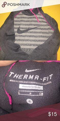 Nike Hoodie never worn!! Nike Tops Sweatshirts & Hoodies