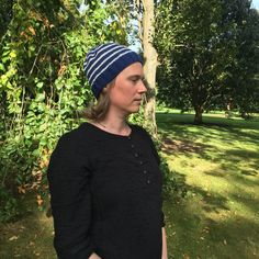 Knitted winter hat in wool and alpaca Blue stripe hand knitted beanie. Knitted winter hat in wool and alpaca. Always aspired to learn to . Aran Weight Yarn, Baby Shoe Sizes, Recent Movies, Baby Winter, Knitting For Beginners, Knit Beanie, Baby Booties, Blue Stripes, Hand Knitting