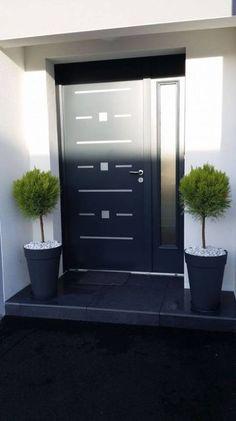 22 Modern Door Design Ideas - Local Home US - Home Improvement Front Door Porch, Front Door Entrance, Exterior Front Doors, House Entrance, Front Porches, Entry Doors, Doorway, Modern Entrance, Modern Front Door