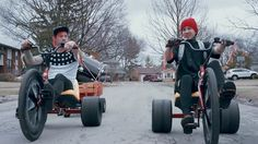 """Stressed Out"" music video by twenty one pilots twenty one pilots: Stressed Out [OFFICIAL VIDEO] from Fueled by Ramen // Twenty One Pilots Frases, Twenty One Pilots Albums, Twenty Pilots, Music Songs, New Music, Good Music, Music Videos, Weird Music, Music Lyrics"