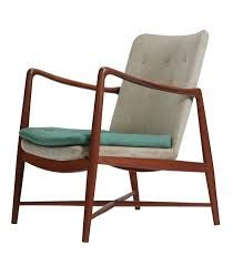 Finn Juhl - designed in 1948 Outdoor Chairs, Outdoor Furniture, Outdoor Decor, Danish Design, Accent Chairs, Armchair, Furniture Design, By, Inspiration