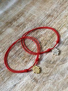 Valentines Gift Red String Hamsa Bracelet Gold Hamsa Bracelet Diy Bracelets With String, Thread Bracelets, Couple Bracelets, Beaded Bracelets, Tassel Jewelry, Cute Jewelry, Jewelry Crafts, Handmade Jewelry, Bracelet Cordon