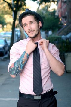 Love classy handsome men with tattoos. :) Actually, handsome men with tattoos just in general. Sharp Dressed Man, Well Dressed Men, Look Fashion, Mens Fashion, Fashion Styles, Guy Fashion, Classy Fashion, Fashion Updates, Street Fashion