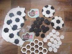 hexagon grid cutter Soccer Cake Pops, Soccer Ball Cake, School Cupcakes, Football Cupcakes, Fondant Toppers, Fondant Cakes, Cupcake Cakes, Cupcake Toppers, Football Birthday Cake