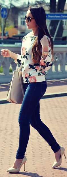 Front Row Shop White Floral Print Sweatshirt by Furious Squirrel...switch heels for wedges. more mommy friendly. :)