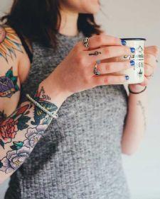 Kada je tetoviranje u pitanju, većina se odlučuje na ovaj korak samo kod nekog iskusnog, ko se time bavi. Ali ima onih koji sami pokušaju.