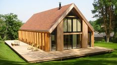 Chalets en bois www. Wooden House Design, Cabin Design, Facade House, House Roof, Prefab Homes, Log Homes, Modern Barn House, House In The Woods, House Plans