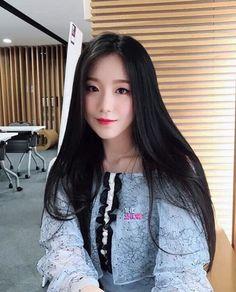 g-idle shuhua icon South Korean Girls, Korean Girl Groups, Feeling Really Tired, You Make Me Crazy, Soo Jin, Cube Entertainment, Just Girl Things, Soyeon, Cute Asian Girls