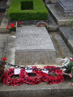 Winston Churchill's grave. England (Oxfordshire)