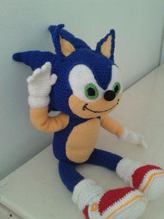 Sonic Sonic Birthday Parties, Plushies, Crochet Toys, Sonic The Hedgehog, Free Pattern, Hello Kitty, Dinosaur Stuffed Animal, Nerd, Amigurumi Doll