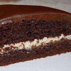 Purplest Pecalin: Chocolate Cake with Cinnamon Cream Cheese Filling Pistachio Bundt Cake Recipe, Cupcake Recipes, Cupcake Cakes, Best Icing Recipe, Gluten Free Cupcakes, Chocolate Cheesecake, Chocolate Cakes, Take The Cake, Cinnamon Cream Cheeses