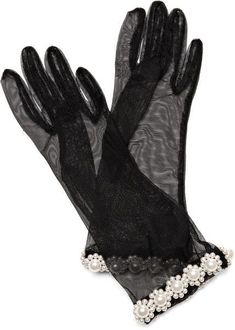 Pearl-Embellished Tulle Gloves by Simone Rocha - Moda Operandi Gloves Fashion, Fashion In, Passion For Fashion, Fashion Accessories, Fashion Outfits, Trendy Accessories, She's A Lady, Vintage Gloves, Hand Warmers