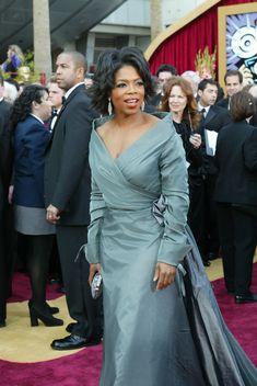 2004 : Gianfranco Ferre : Oprah Winfrey : Oscars 76 Dark Autumn, Evening Outfits, Evening Dresses, Plus Size Dresses, Plus Size Outfits, Couture Dresses, Fashion Dresses, Dresses For Apple Shape, Apple Shape Outfits