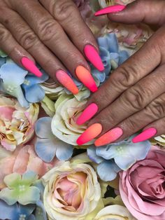Ombre, sellőpor Nails, Pink, Beauty, Finger Nails, Ongles, Pink Hair, Beauty Illustration, Nail, Roses