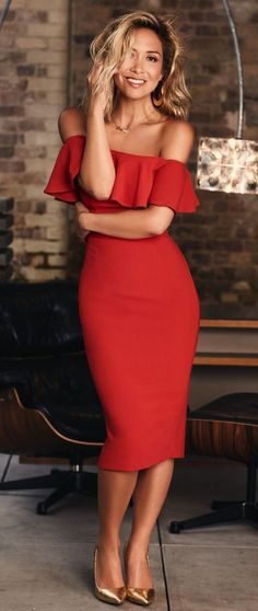 OFF THE SHOULDER BODYCON DRESS in RED