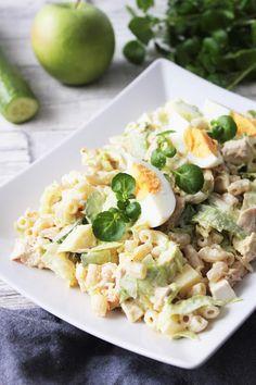 Pienet herkkusuut: Herkuttelijan kanasalaatti Easy Snacks, Healthy Snacks, Easy Meals, Healthy Recipes, Free Recipes, Easy Delicious Recipes, Yummy Food, Food For Thought, Pasta Salad
