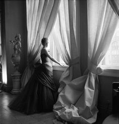 """Nancy James in Charles James """"Swan"""" Gown, 1955 Courtesy of The Metropolitan Museum of Art, Photograph by Cecil Beaton, The Cecil Beaton Stud..."""
