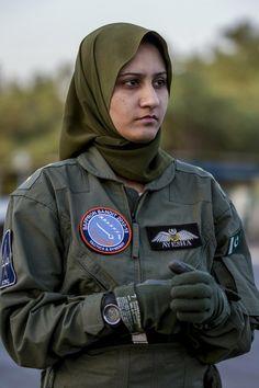 Ayesha Farooq, Pakistan's only war-ready female fighter pilot