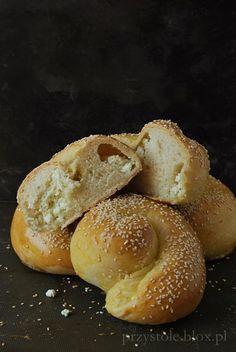 Greckie bułki z serem feta - Tiropsomo
