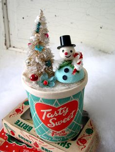 Sweet little snowman made by Oodles & Oodles.