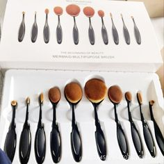 Makeup Brushes Oval Tools Foundation Cream Powder Blush Brush