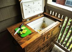 Build a patio cooking center from an ikea dressor. IKEA Hackers: The TARVA Ice Chest Do It Yourself Ikea, Do It Yourself Furniture, Diy Furniture, Outdoor Furniture, Antique Furniture, Ikea Outdoor, Ikea Hacks, Ikea Exterior, Home Projects