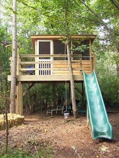 How To Build A Treehouse ? This Tree House Design Ideas For Adult and Kids, Simple and easy. can also be used as a place (to live in), Amazing Tiny treehouse kids, Architecture Modern Luxury treehouse interior cozy Backyard Small treehouse masters Building A Treehouse, Build A Playhouse, Treehouse Ideas, Easy Diy Treehouse, Treehouses For Kids, Playhouse Outdoor, Cozy Backyard, Backyard Play, Backyard Treehouse