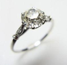 Weddbook ♥ Vintage Diamant-Hochzeit Ringe. Antique Verlobungsring. Vintage diamond ring