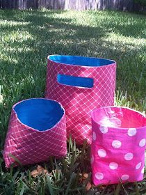 Duct tape tote! Very easy!! Fabric, duct tape, stapler...