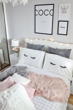 Cute And Girly Bedroom Decorating Ideas For Apartment - Dream Rooms, Dream Bedroom, Pretty Bedroom, Closet Bedroom, Bedroom Storage, Teen Girl Bedrooms, Vintage Teen Bedrooms, Light Pink Bedrooms, Teenage Girl Room Decor
