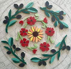 Start of mosaic Table Mosaic, Mosaic Pots, Mosaic Garden, Mosaic Glass, Mosaic Tile Art, Mosaic Diy, Mosaic Crafts, Mosaic Designs, Mosaic Patterns