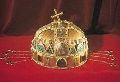 The crown of Saint Stephen (also known as the Holy Crown of Hungary) is not merely fancy headgear worn by the monarch of Hungary. By ancient tradition, the crown has legal personhood and is the mon… Fort Knox, Saint Stephen, Jimmy Carter, Red Army, Royal Jewels, The Crown, Headgear, World War Two, Hungary